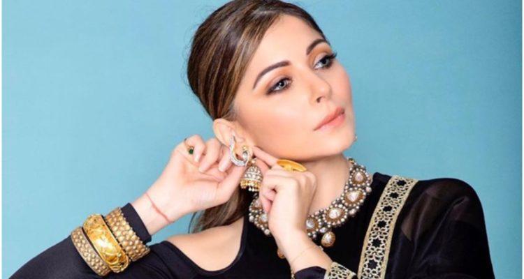 #Coronavirus : Une chanteuse indienne testée positive fait polémique
