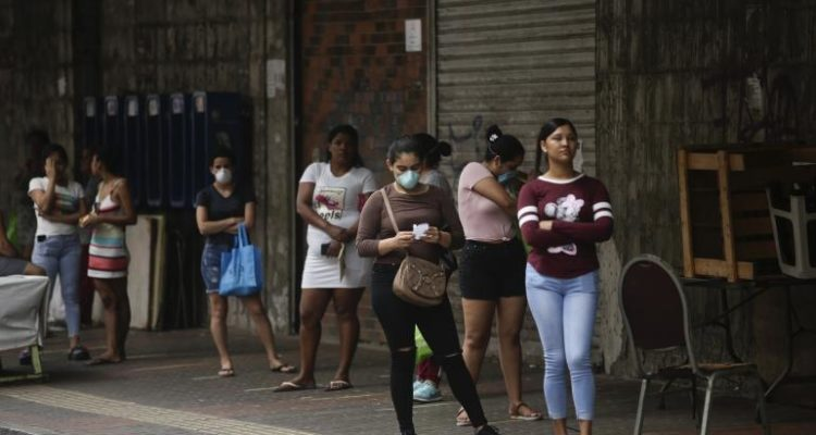 Confinement : au Panama, hommes et femmes ne peuvent pas sortir le même jour