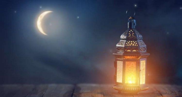 ثلاث دول عربية أعلنت  السبت  بدء شهر رمضان 2020