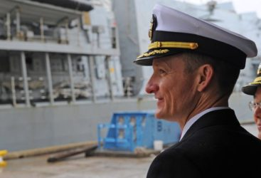 Contaminé et relevé de ses fonctions :l'histoire du capitaine de la Navy qui croyait bien faire.