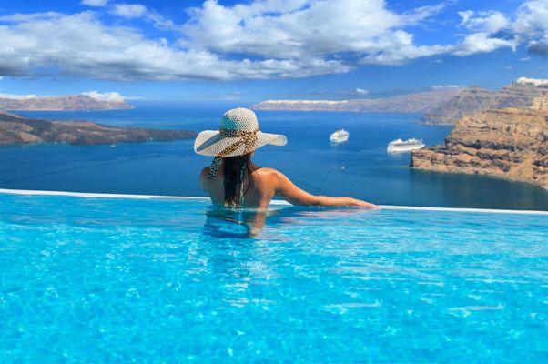 Malgré le coronavirus, la Grèce veut sauver sa saison estivale