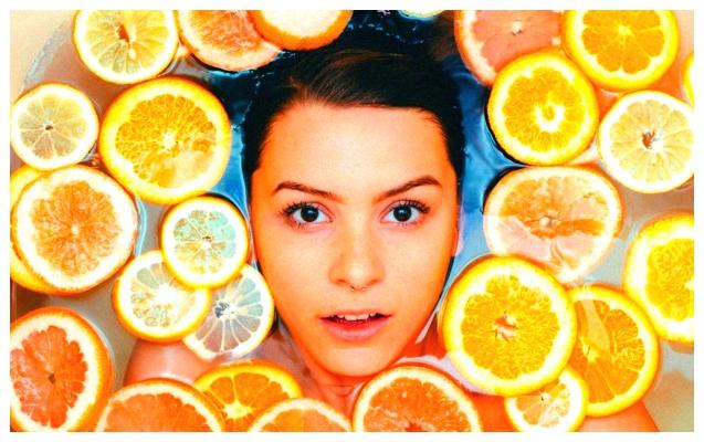 Le bain aux agrumes est la nouvelle tendance pour libérer nos esprits et avoir une peau parfaite!