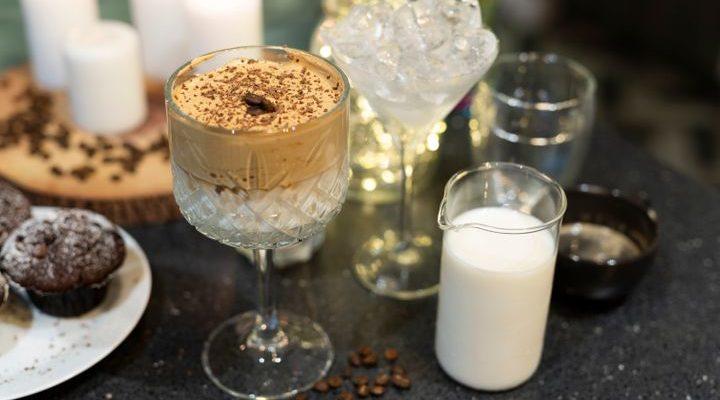 Découvrez  le pumpkin spice dalgona coffee ..la boisson  tendance  de  l'hiver