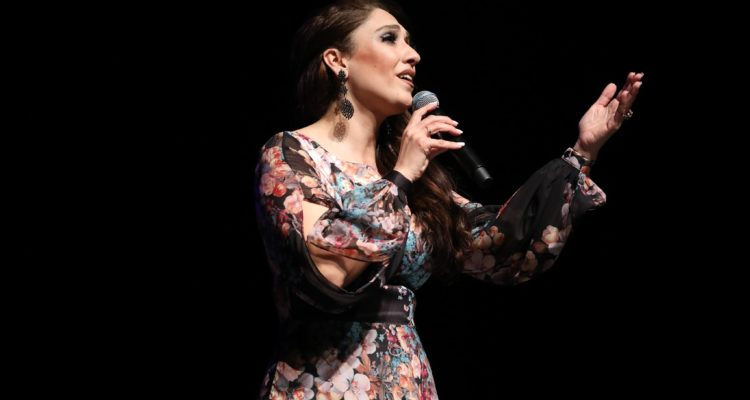 عائدة النياطي في عرض موسيقي مميز بمناسبة عيد المرأة