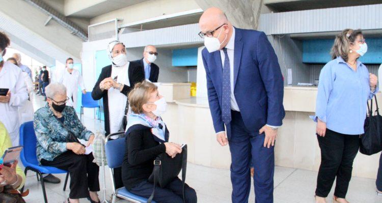 وزير الصحة يزور المركزين الجهويين للتلقيح بالمنزه وأريانة