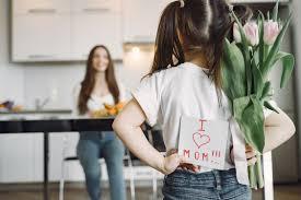 Pourquoi la Fête des mères est-elle célébrée en Mai ?