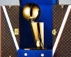 Louis Vuitton annonce un partenariat avec la NBA
